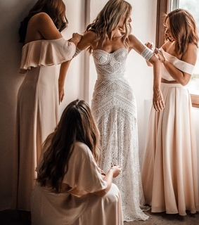 getting ready, off white wedding dresses and wedding