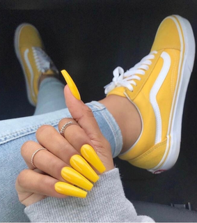 glam, acrilicas and yellow
