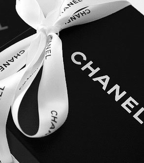 chanel, shopping time and vogue