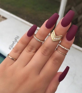 nails, burgundy and prom