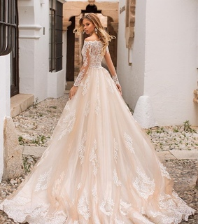 fashion, wedding dress and bridal gown