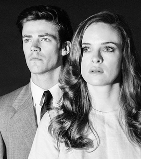 caitlin snow, the flash and photoshoot