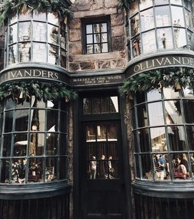 diagon alley, jk rowling and wands
