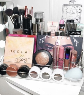 makeup, organiztion and beauty