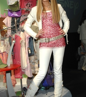 store, miley cyrus and eua