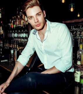 dominic sherwood, boys and shadowhunters