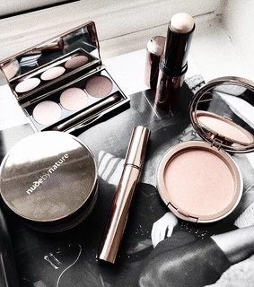 palette, make up and styl