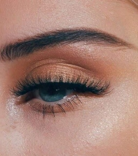 gold, eyesbrows and makeup