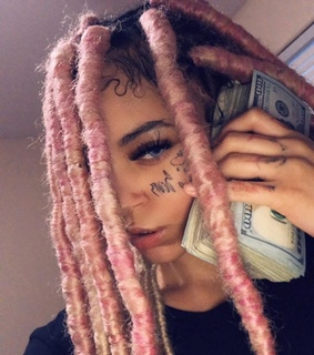 money, pink hair and baddie