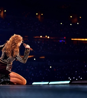 reputation tour, taylor swift and singing