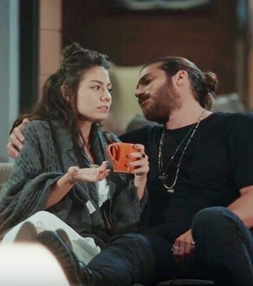 can yaman, ss ssessg and demet ozdemir