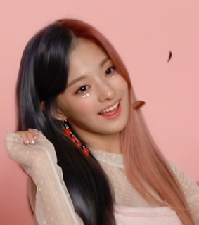 fromis 9, nagyung and fromis lq