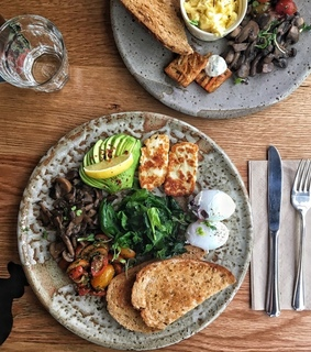 spinach, brunch and breakfast