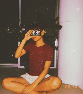 90s, moment and camera