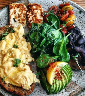 scrambled egg, food styling and breakfast