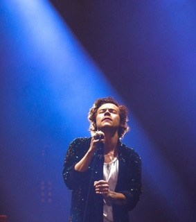 liveontour, onstage and harrystyles
