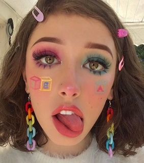 soft, aesthetic makeup and looks