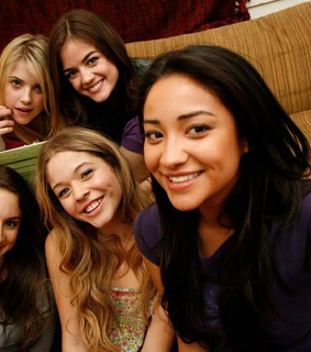 hanna, pretty little liars and pretty