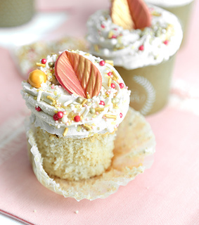 cupcakes, desserts and buttercream