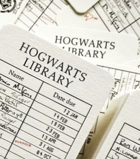 wallpaper, hogwarts library and phone