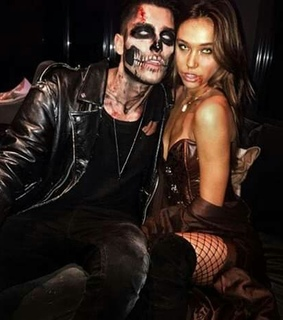 zombies, customes and couples goals