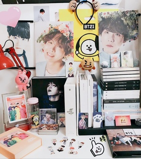 kpop room, goals and la re puta madre pobreza