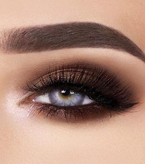 smoky eyes, maquillaje and highliter