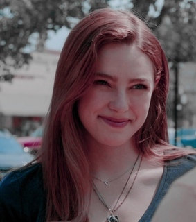 danielle russell, hope mikaelson and legacies