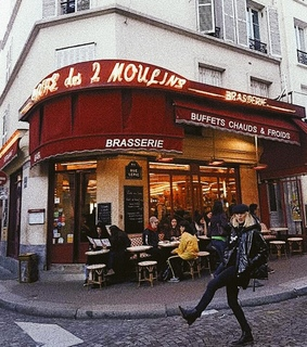 montmartre, style and bistrot