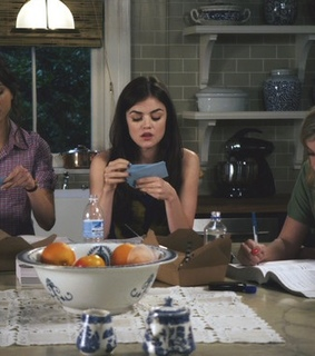 pretty little liars, word cards and background