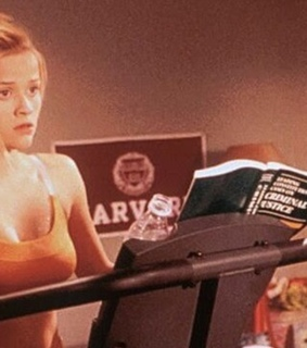 elle woods, school and books