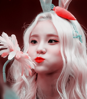 loona icon, jinsoul and jung jinsoul