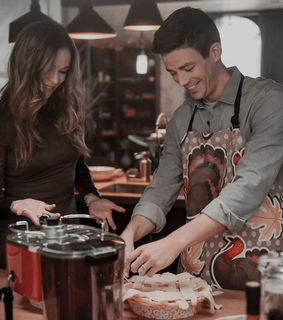 grant gustin, danielle panabaker and caitlin snow