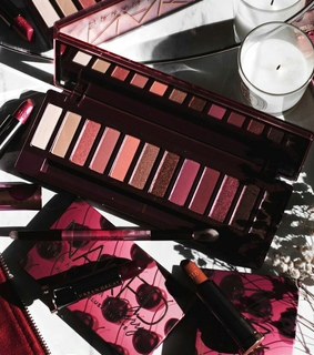 makeup palette, eye shadow and urban decay