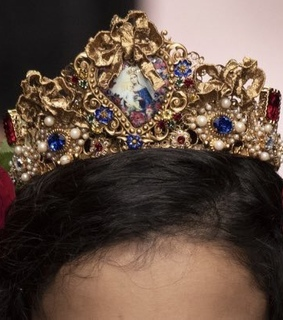 runway, crowns and dolce amp gabbana