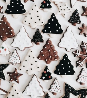 cookies, cold and delicious