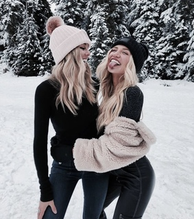 fashion, winter time and teens