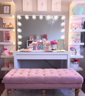 mirror, decorao and pink