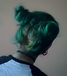 emo girl, green hair and alternative