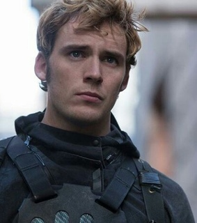 finnick odair, sam claflin and hunger games