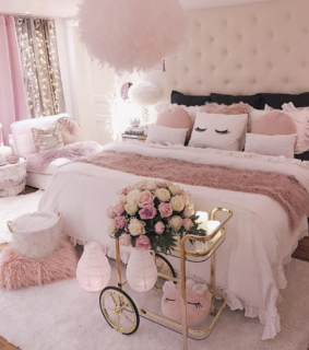 roses, room and slippers