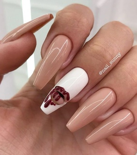 nail art, white and dripping