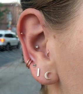 ear piercings, girl and piercings