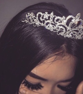 queen, diadem and princess