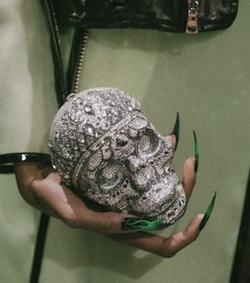 ss19, skull and theme