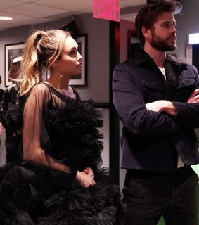 couples, miley and liam and miley cyrus