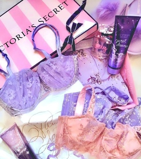 purple, accessories and vs