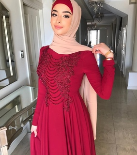 red vibes, hijabista and fashion
