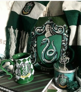 green, cup and potterhead