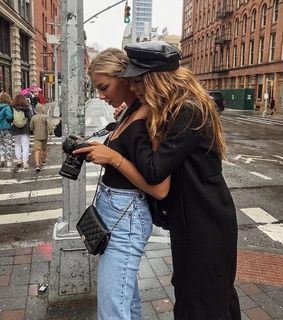 sisters, taking pictures and friendship goals